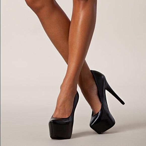 c00726a3de5 Steve Madden dejavu black leather double platform.  M 5a5e5ee500450f5d284dac6a